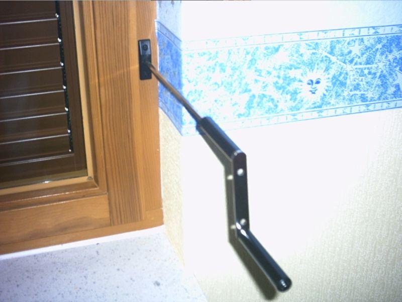 ka fr 01 kurbelantrieb f r fensterrahmen montage aluminium fensterklappladen. Black Bedroom Furniture Sets. Home Design Ideas